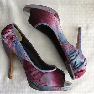 Karen Millen Purple Satin Ruffle Peep toe pumps